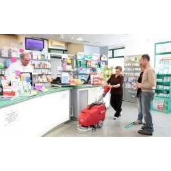 Nettoyage dans les petits commerces avec l'auto-laveuse RCM Bis CB