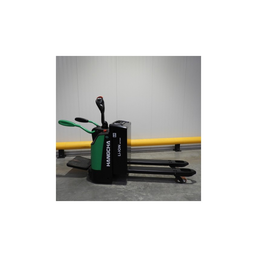 Pallet truck with platform and barriers